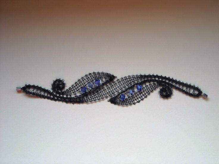 2016 Oktober  - Idria-Armband mit Swarovski-Perlen - Entwurf von Irma Pervanja, Slowenien