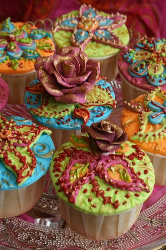 Flower Diwali Cupcakes (the rose actually looks strangely out of place but the rest looks great!)