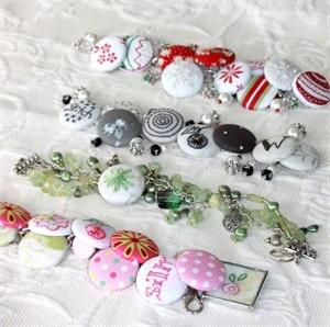 1012 Cute as a Button Bracelets