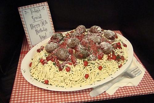 cake that looks like spaghetti