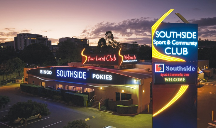 Southside Sport and Country Club building signage using fabricated aluminium lettering with neon and illuminated pylon sign by Singleton Moore Signs www.smsco.com.au