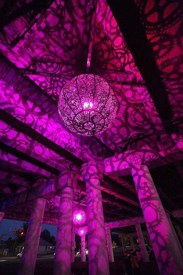 lampe lila licht fahrradteile dekoration effektvoll