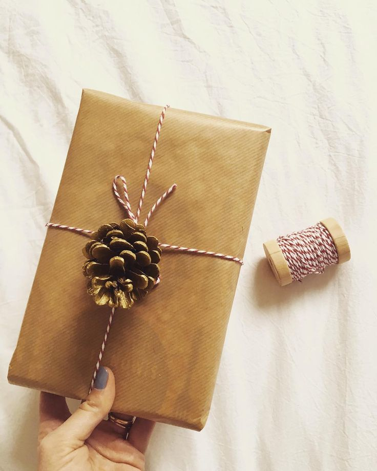Holiday Gift Wrap  #gift #wraping #holidayaroundthecorner #christmasiscoming #lovegivinggifts