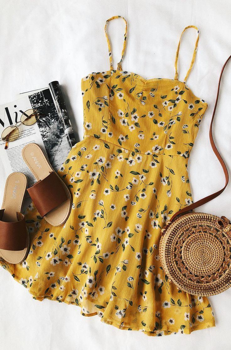 Gänseblümchen gehen durch Senfgelb Blumendruck Kleid