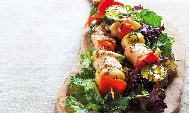 Espetadas de salmão e lulas - receita fácil e uma óptima forma de combinar vários ingredientes