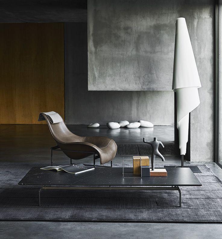 Small Table: DIESIS - Collection: B&B Italia - Design: Antonio Citterio
