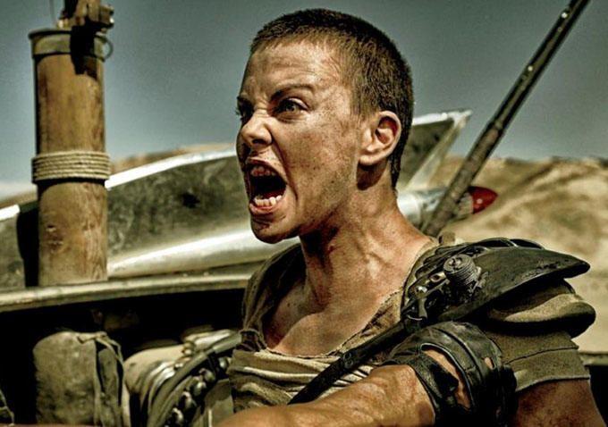 #AtomicBlonde #Actress #CharlizeTheron spoken about reprise her role as #Furiosa in #MadMax #Prequel .- 「 #マッドマックス 」伝説の第2章「フリオーサ」は、いつでも走りだせる ! !、「アトミック・ブロンド」の金髪爆弾のシャーリーズ・セロンが待望の「マッドマックス」シリーズについて語ってくれた - #映画 #エンタメ #セレブ & #テレビ の 情報 ニュース from #CIAMovieNews / CIA こちら映画中央情報局です
