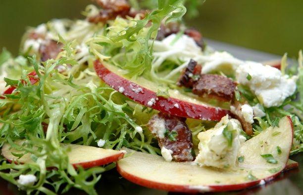 Recept Salade met geitenkaas, appel en honingdressing – Salades & zo
