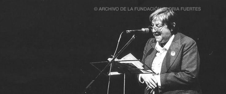 El animal pensante y cinco poemas más de #GloriaFuertes100 que sacudirán tus emociones. #ElBalcóndeGloriaFuertes en Revista MoonMagazine