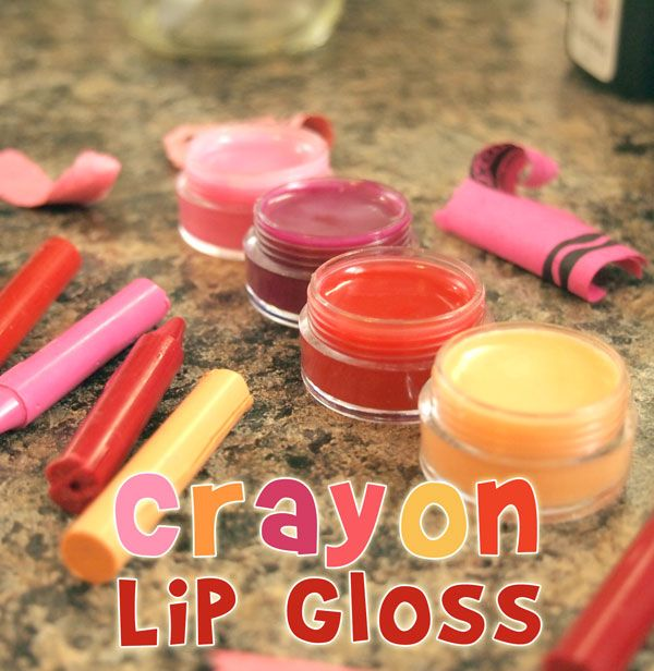 Here's a simple and FUN project for tweens - make homemade lip gloss from crayons!
