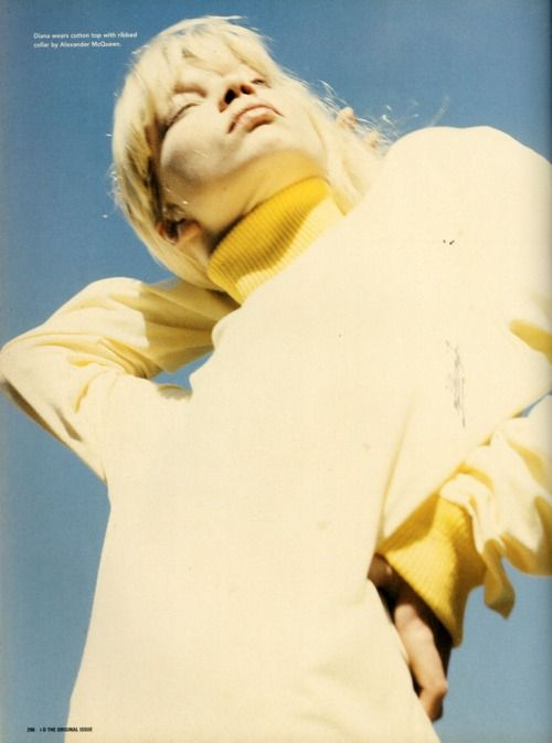 cotonblanc:   diana wears cotton top with ribbed collar by...