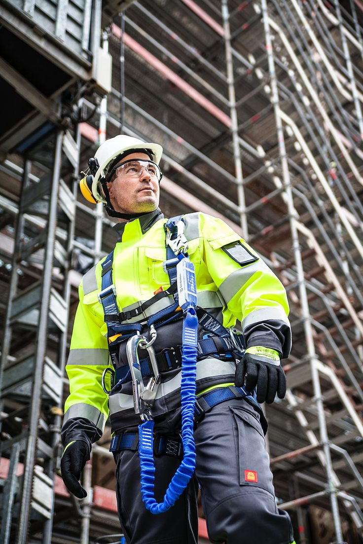 Lindström Group's safe and functional workwear protects the employee against the…