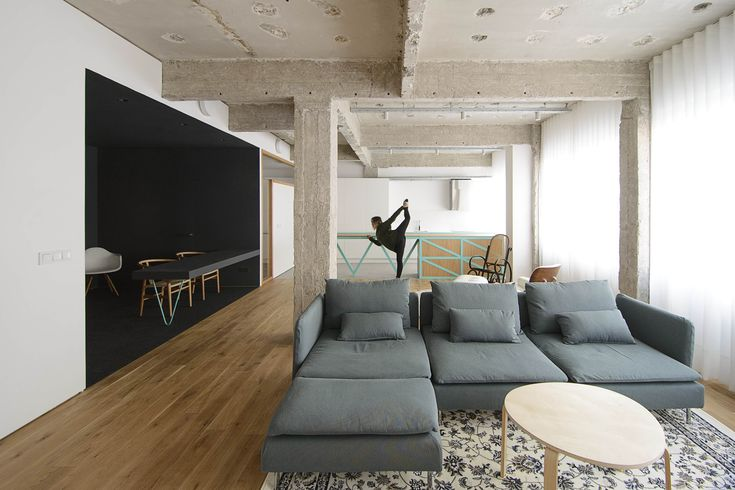 http://www.10decoracion.com/wp-content/uploads/garmendia-cordero-arquitectos.-reforma-de-oficina-a-vivienda-en-Bilbao-11.jpg