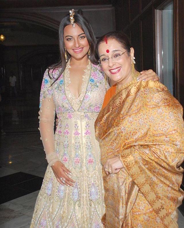 Sonakshi Sinha and her Mum, Poonam Sinha