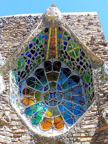 Santa Coloma de Cervelló - Claudi Güell 09 | Cripta de la Co… | Flickr