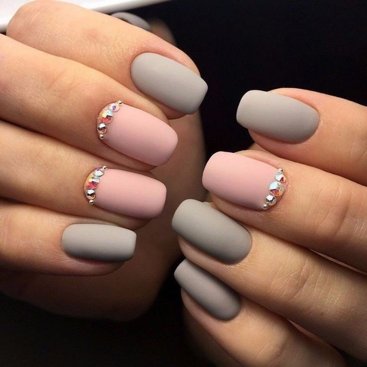 Beautiful nails 2017, Exquisite nails, Fashion matte nails, Grey and pink nails, Matte nails, Nails trends 2017, Nails with rhinestones, Party nails
