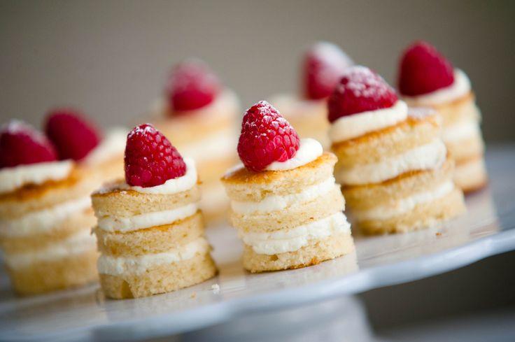 Naked minicakes
