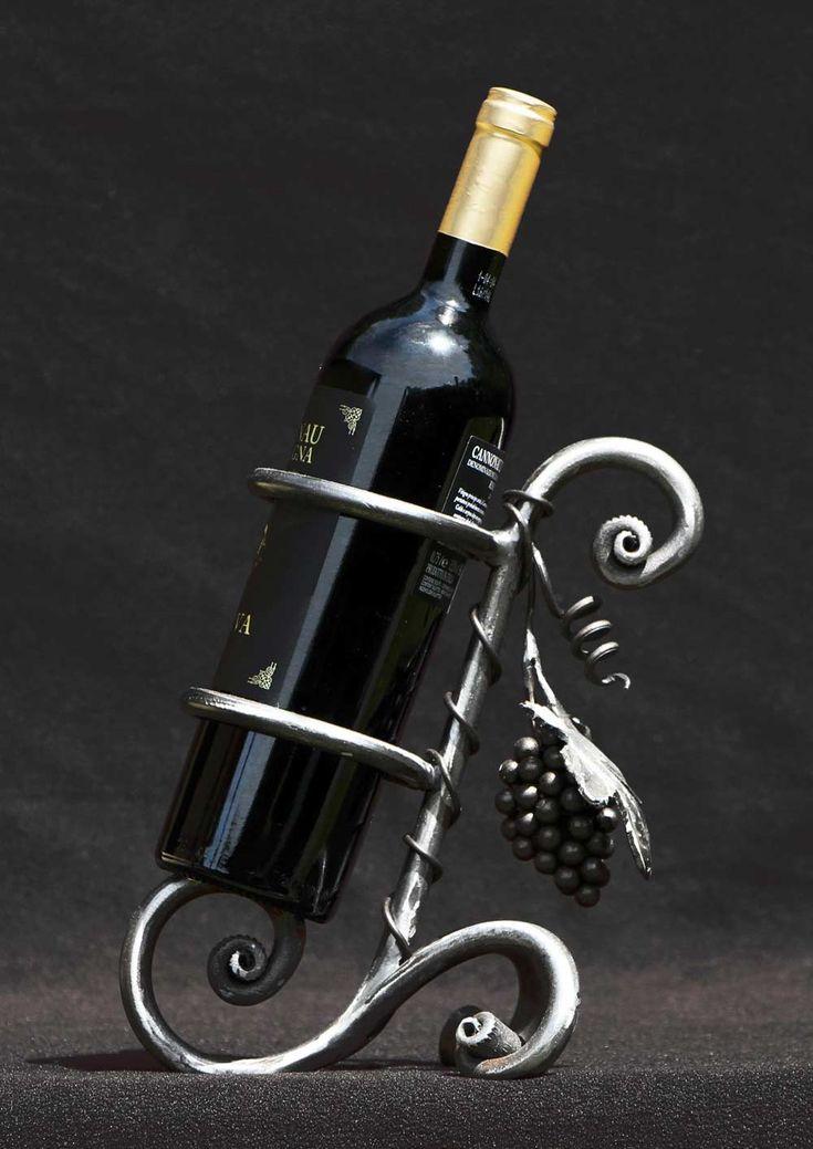 Oltre 25 fantastiche idee su ferro battuto su pinterest - Porta tv ferro battuto ...