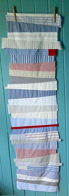 love these stripes.  would make a fantastic quilt.  ((thinking of you, @Jayme Reaves))