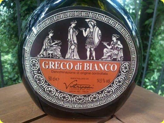Il Moscato di Saracena ed il Greco di Bianco: vini passiti calabresi da scoprire.  Il Moscato Passito è il prodotto simbolo di Saracena, comune sito all'interno del Parco Nazionale del Pollino, in provincia di Cosenza.  Ha una storia che non è un'esagerazione definire millenaria.