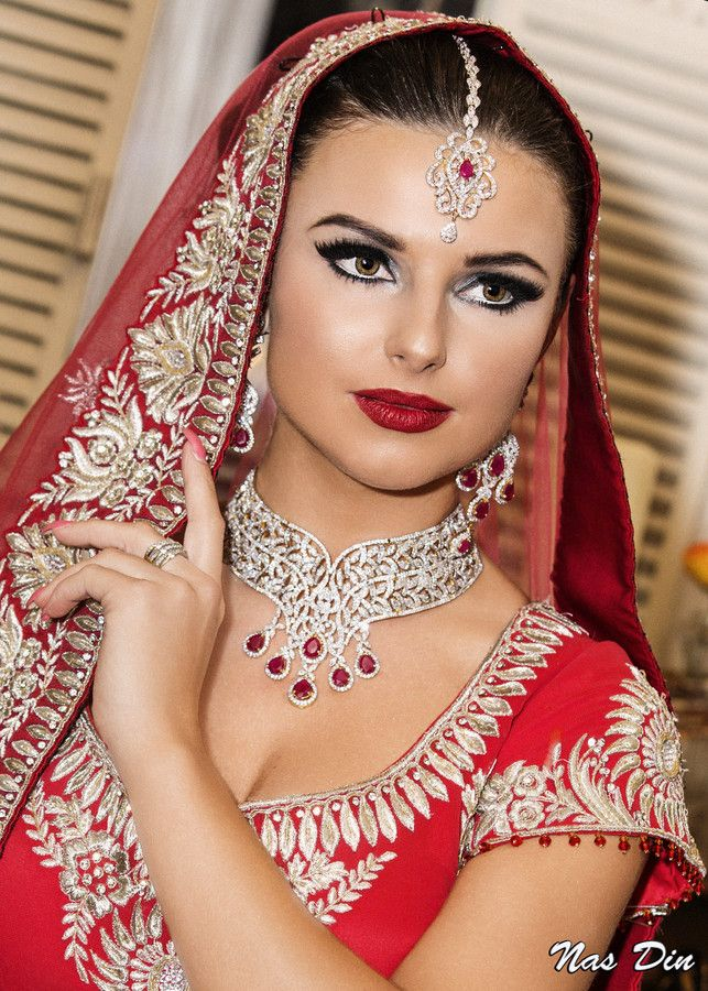 Traditional Wedding Makeup Pictures : 17 Best images about TRADITIONAL BRIDAL MAKEUP INSPIRATION ...