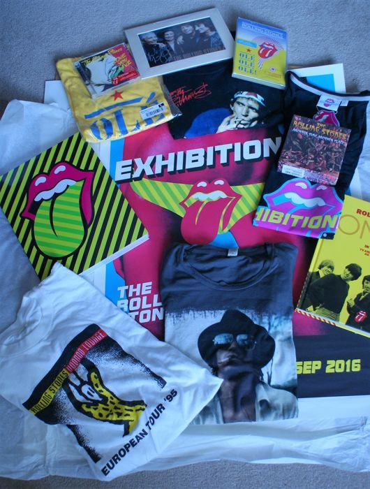 "THE ROLLING STONES UNIQUE COLLECTION: ""EXHIBITIONISM POSTER - 60cm x 84 cm - The Show Book, Antique T-Shirt Collection: New ON AIR Book"
