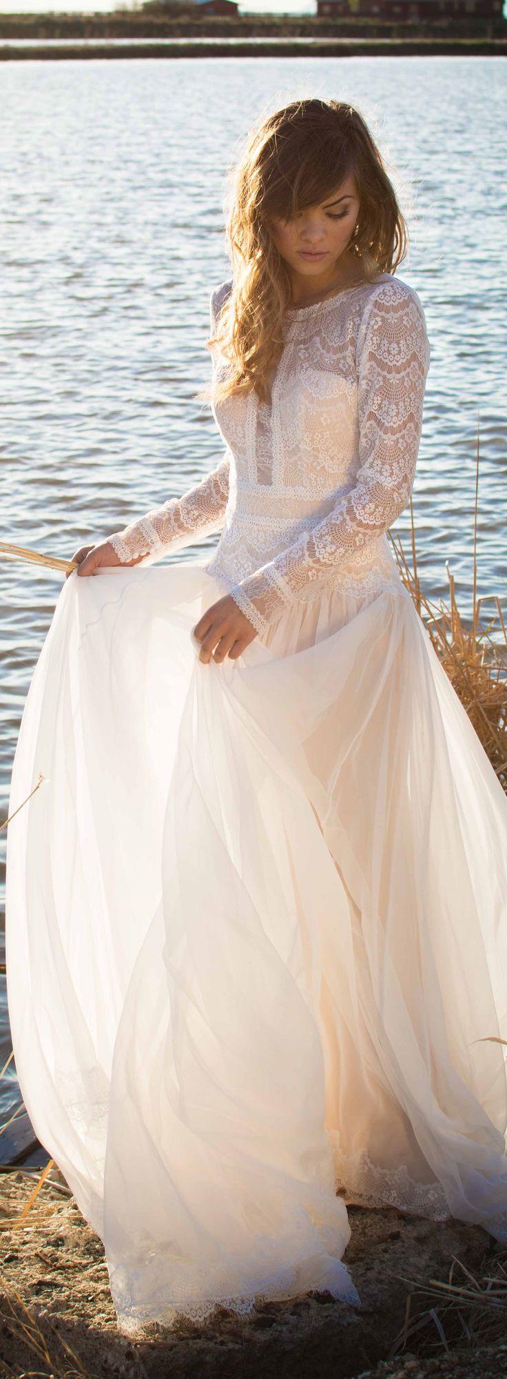Maggie Sottero 2016 Fall/Winter Collection - Deirdre Wedding Dress | #maggiesottero #maggiebride Hair and photography: @stevenrobertsonhair Styling: @fashnaddict Make Up: @stephstylin