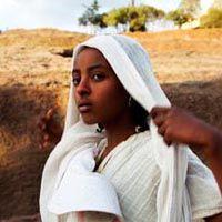 Girl in Lalibela, Ethiopia (Natxa Pomar)  http://www.natxapomar.com/