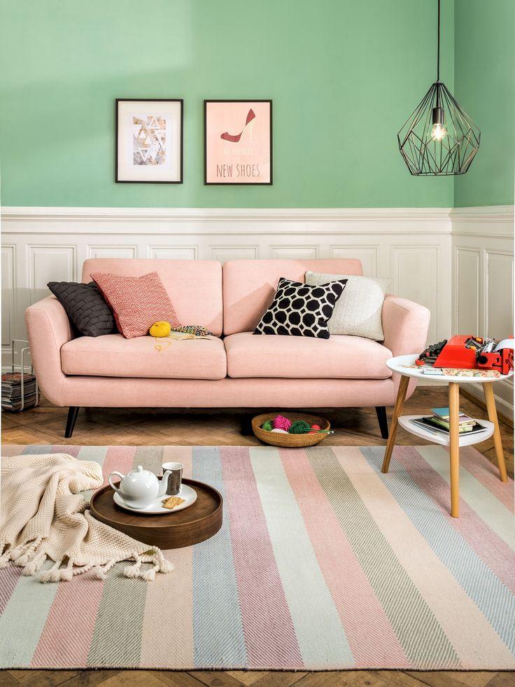 Micasa Wohnzimmer mit 2.5er-Sofa SEIDEL, hellrosa und Teppich DOROTHEA
