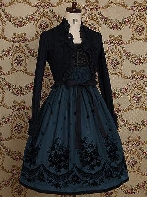 fashion elegant clothes clothing pretty beautiful goth gothic lolita dress