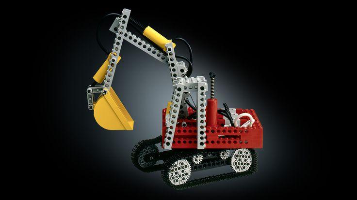 LEGO Technic Bagger, das erste Modell mit pneumatischen Elementen aus dem Jahr 1984
