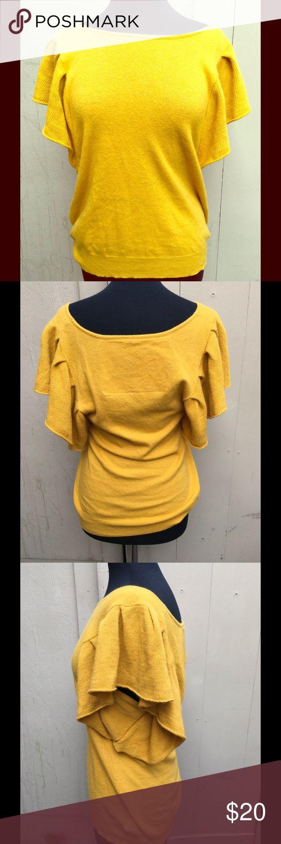 Robin short sleeve sweater Beautiful short Full sleeve yellow knitted top robin Sweaters Crew & Scoop Necks