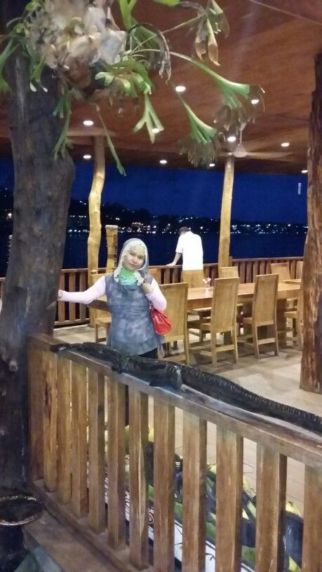 Cafe and Resto Rumah Laut