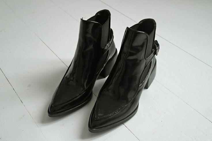 New home, New job and ... New shoes! http://lovissa.com