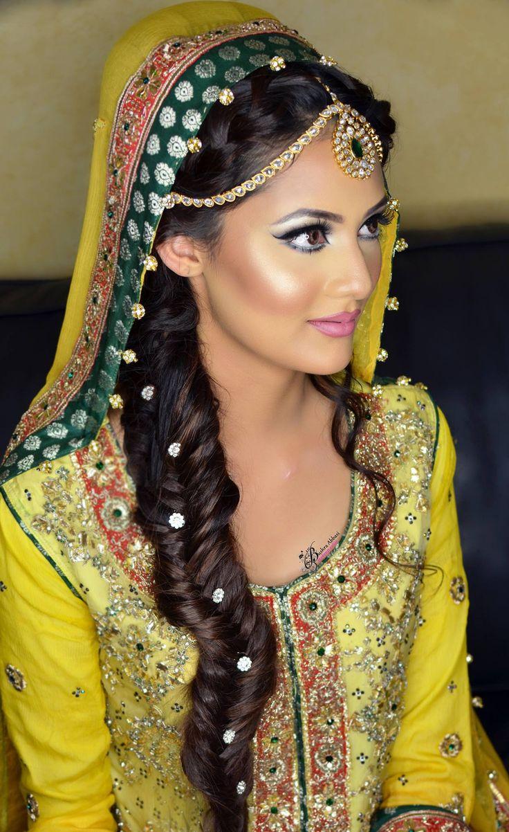 Gorgeous mehndi bride, makeup by Bushra abbasi