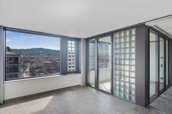 Im 13 Stock Mit Weitsicht Auf Zurich Kann Man Diese Edle 4 5 Zimmer Neubauwohnung An Der Europaallee Mieten Wohnung In Zurich 2 Zimmer Wohnung Wohnung Mieten