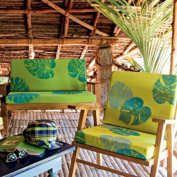 Des coussins décorés d'empreintes de feuilles - Marie Claire Idées