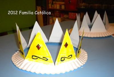 Familia Católica: Coronas de Reyes Magos con platos de cartón