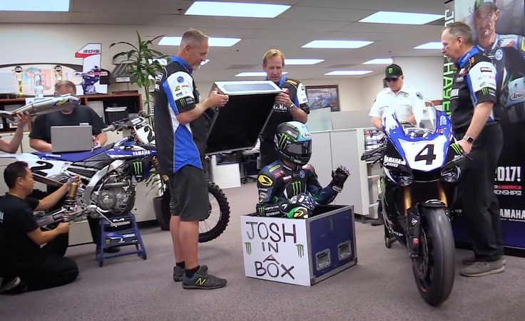 Yamaha Motorsports Creates Epic Holiday Mannequin Challenge