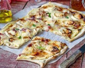 Tarte flambée minceur au chèvre et au jambon : http://www.fourchette-et-bikini.fr/recettes/recettes-minceur/tarte-flambee-minceur-au-chevre-et-au-jambon.html