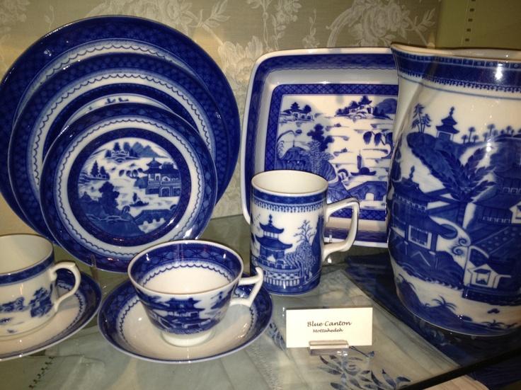 78 best feeling blue for mottahedeh images on pinterest dish sets blue dinnerware and blue dishes. Black Bedroom Furniture Sets. Home Design Ideas