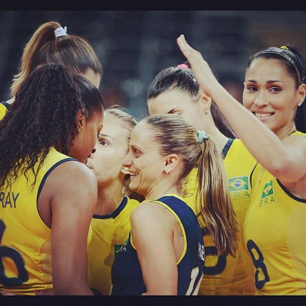 Congratulations, girls! Parabéns, meninas!! BRASIL É OURO!! Brazil, GOLD MEDAL…