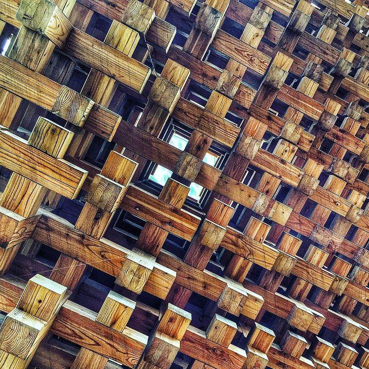 [cercando la via d'uscita] #expo #expomilano2015#milano #milano2015 #milanocity #milanodavedere #milanoexpo2015 #igersmilano #igerslombardia #igersitalia #japanesepavilion#phototag_it #photograph #photoshoot #pointofview #puntidivista #giappone#visitexpo#expomilano#looking #milano #instalike #scorci #design #art#atsushikitagawara by davideaurz