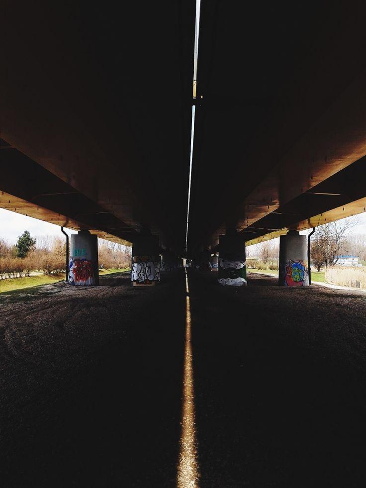 #poland #warsaw #city #urban #bridge #architecture #sun #chasinglight #light #smartfot