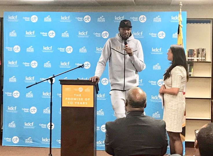 WASHINGTON — After donating $10 million to his hometown, Golden State Warriors star small forward #KevinDurant was celebrated at Suitland High School in Prince George's County, Maryland, Tuesday night.