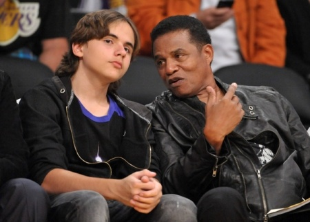 Celebs root for the Lakers: Thanksceleb Roots, Lakers Celebrity, Real Celebrity, Stuff, Prince, Lakers Jazz Games, Awesome Pin, Lakers Awesome, Celebs Roots