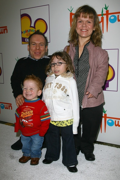 Emma Watson Harry Potter And The Deathly Hallows Part 2 Premiere Dress Warwick Davis with his...