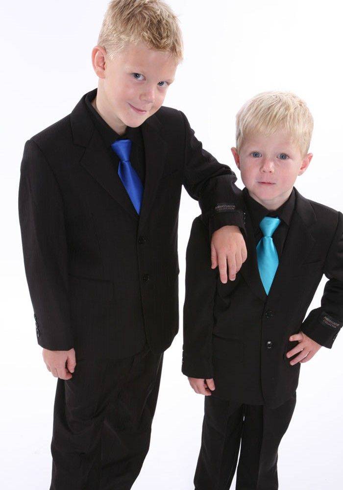 Impress Mom with a Suit Rental - http://rosetuxedoaz.com/impress-mom-with-a-suit-rental/