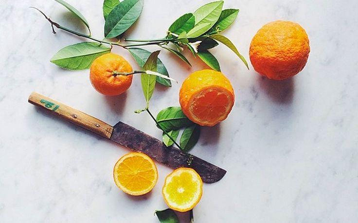 Pickel sind verkapselte Entzündungen, die unter der Haut eitern. Diese entzündungshemmenden Lebensmittel sind ideal im Kampf gegen Hautunreinheiten.