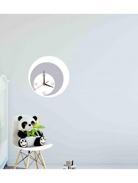 Najširšia ponuka hodín v rôznych farbách pre dokonalú stenu priamo od výrobcu.  Moderné nástenné dekoračné hodiny. Hodiny sú vyrobené z akrylového skla PMMA. Tento materiál /plexisklo/ má moderný a estetický vzhľad, je ľahké a 6 krát silnejšie ako obyčajné sklo. Plexisklo je pružný materiál dokonalý na výrobu kreatívnych doplnkov. Je výborným dekoratívnym doplnkom a dokonale odráža slnečné svetlo. Vďaka svojej odolnosti voči UV žiareniu a vlastnostiam materiálu